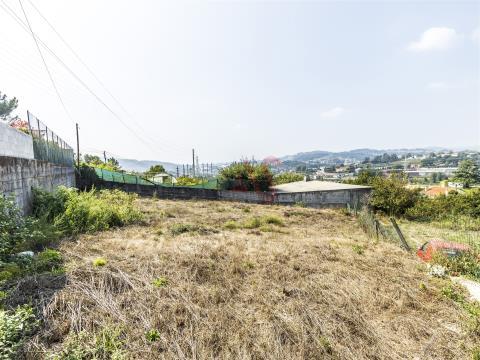 Terreno para construção com 690 m2 em São Martinho do Campo
