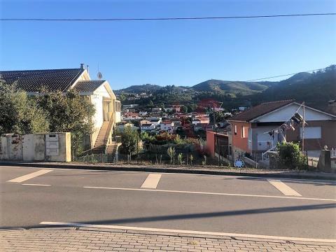 Terreno com 472 m2 em Moreira de Cónegos, Guimarães