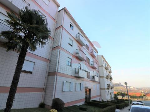 Apartamento T3 para arrendamento, em Creixomil, Guimarães