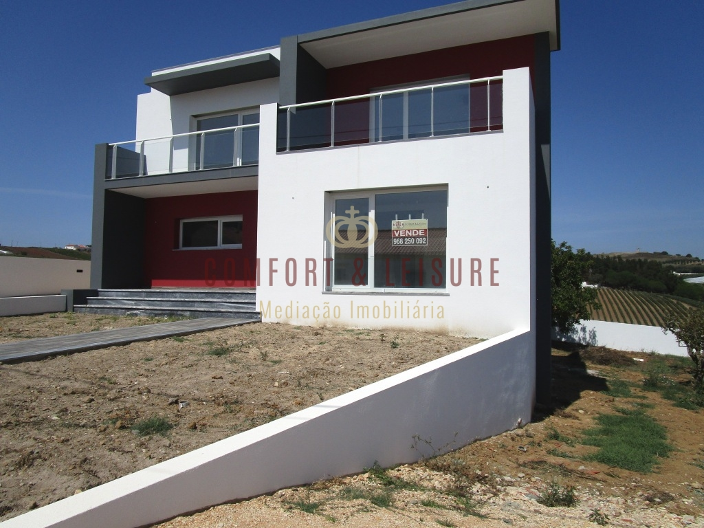 NEW 3 bedroom villa near Torres Vedras, Lisbon