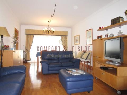 Apartamento T2 no centro de Torres Vedras