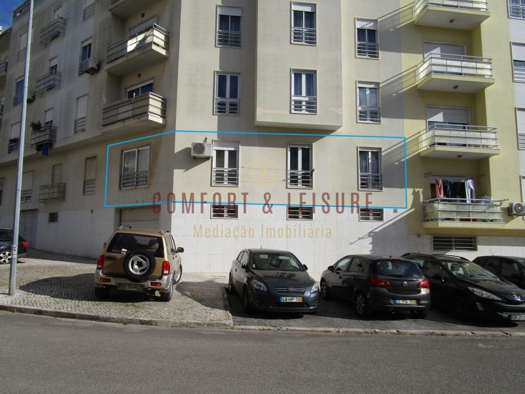 Apartamento T3 em Vale Flores