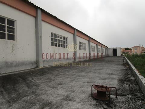 Armazém industrial localizado em Silveira, Torres Vedras