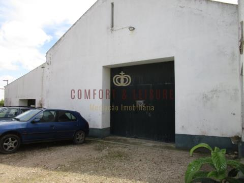 Warehouse for rent located in central area in Bombarral, Leiria