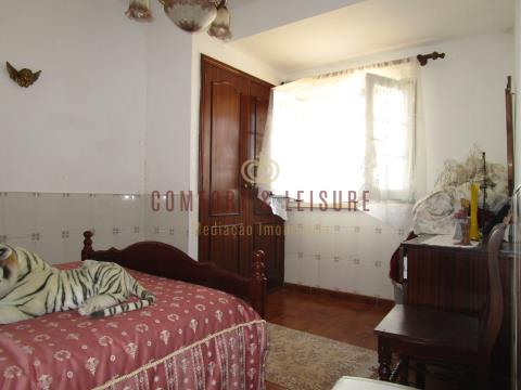 Quinta com 2.8ha bem situada a 7 minutos da Cidade de Torres Vedras