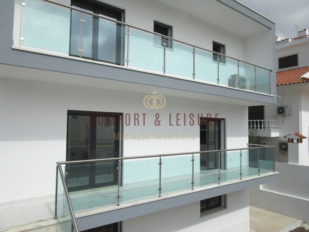 House 4 bedrooms NEW - Ramada / Odivelas