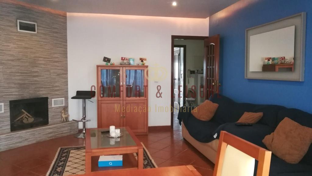 Apartamento T3 em BOM estado de conservação