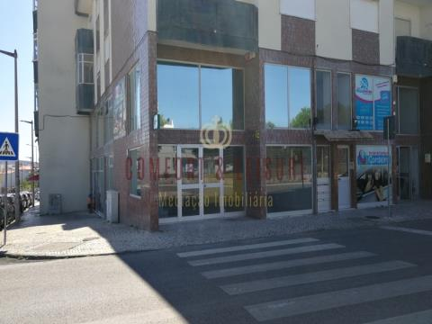 Espaço para restauração ou comércio com 90 m² no Bombarral