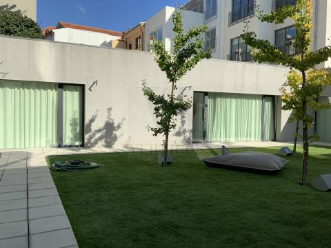 Guesthouse with 11 units of Local accommodation (new) in Porto downtown