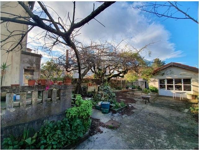 HOUSE TO RECOVER NEAR 100 MT CASA DA MÚSICA - OPORTO