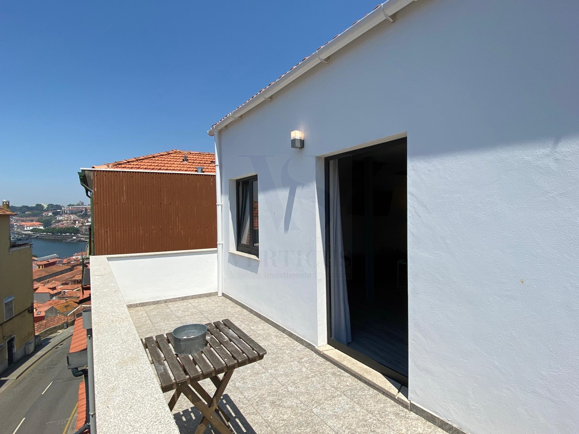 Building with 4 modern apartments T1.-V.N.Gaia- Close to port wine cellars