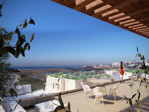 Penthouse T4, condominium fermé, vue sur le fleuve Douro, Porto et la mer.