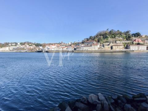 T2 Rio Douro, Cais Gaia, Porto | Sell | VP | Real Estate