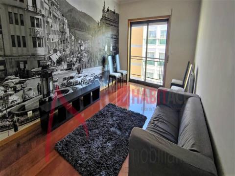Apartamento T2 para arrendamento com cozinha equipada