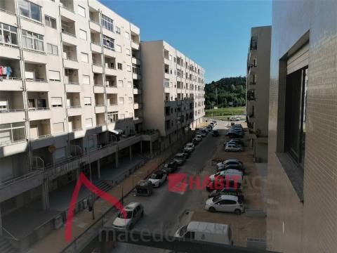 T3 em São Vicente em rua residencial