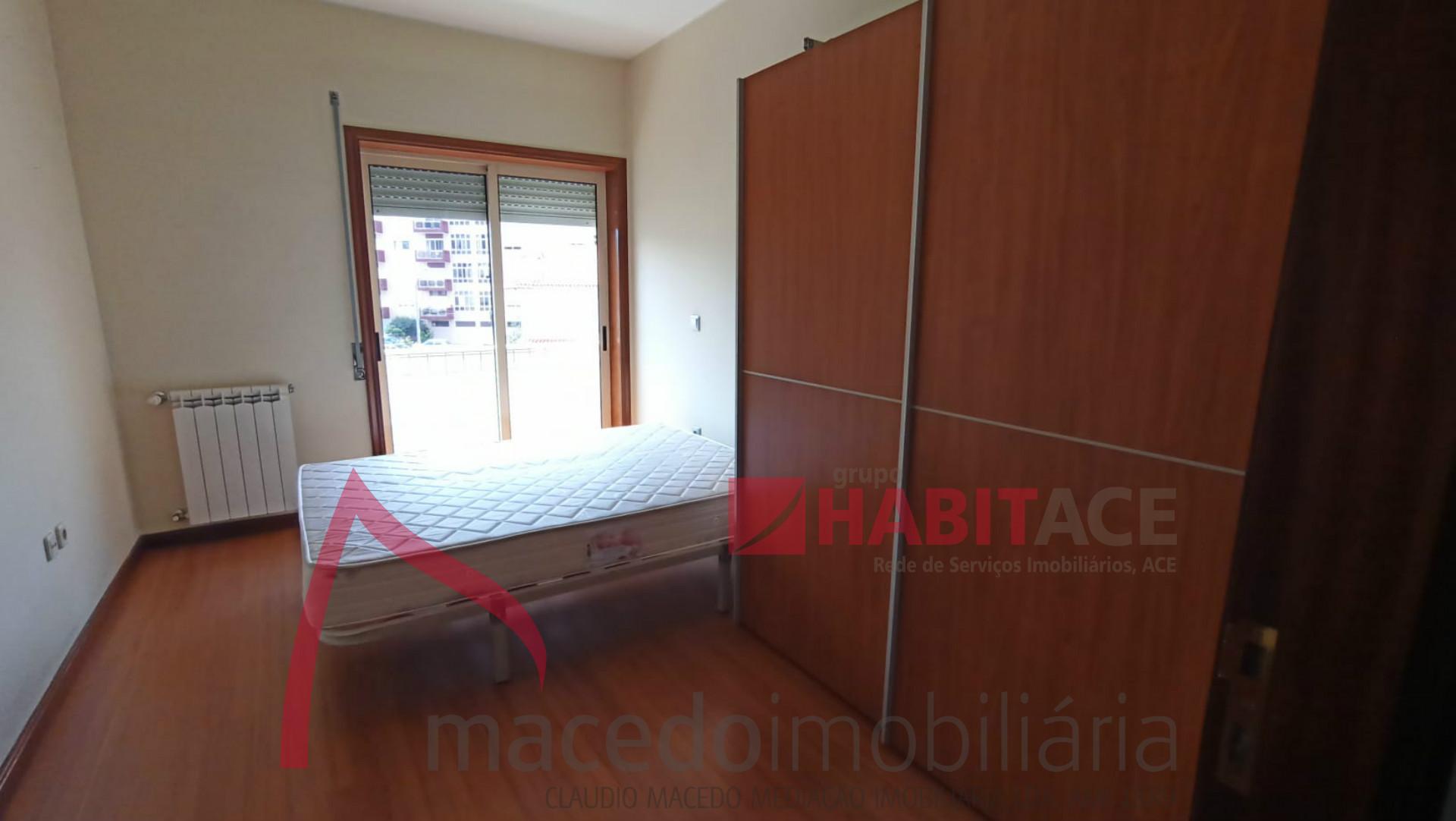 Apartamento T3 mobilado em S. Vitor