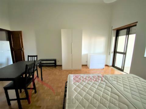Apartamento T0 para arrendar no centro historico de Braga