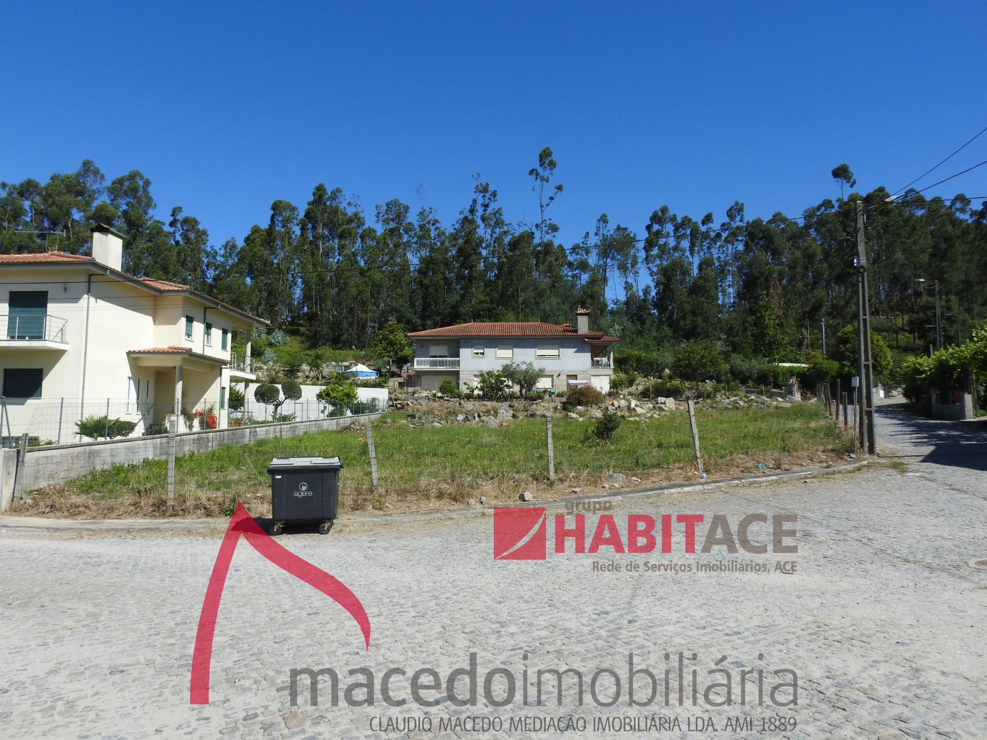 Terreno para construção de moradia individual com 1050m2