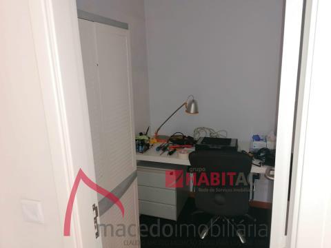 Apartamento T2 mobilado em Maximinos