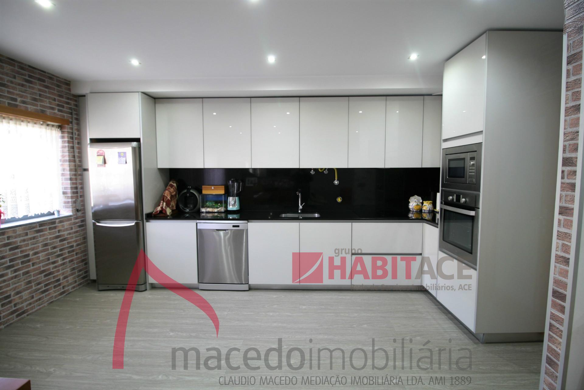 Apartamento T3 remodelado em S. Vitor