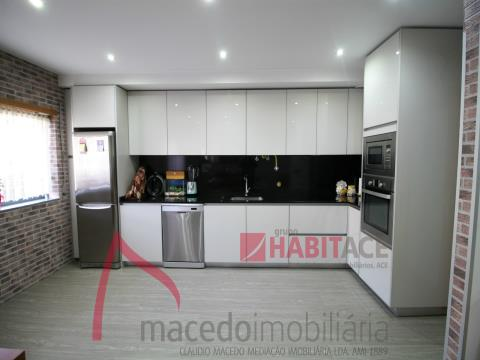 Three bedroom apartment for sale in S. Vitor Braga.
