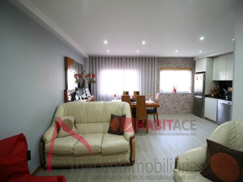 Appartement de 3 chambres à vendre à S. Vitor Braga.
