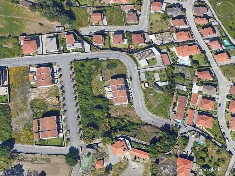 Terreno para construção de moradia T4 em banda c/projecto