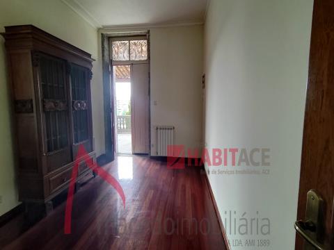 Quintinha para venda em Lamaçães, Braga - Ideal para projecto de investimento