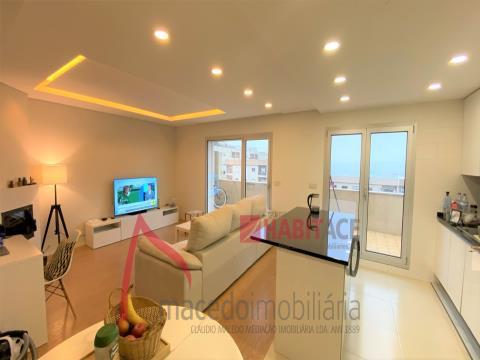 Apartamento T2 em Braga para venda totalmente remodelado com terraço em São Vicente.