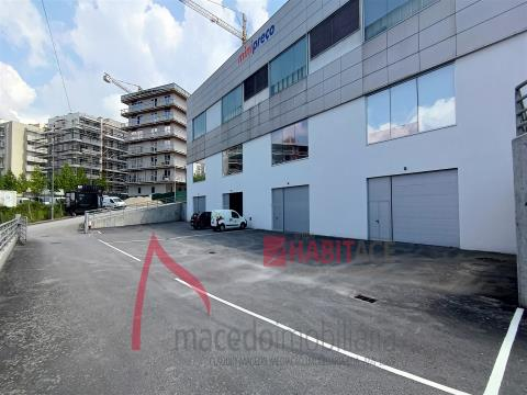 Magazzino in affitto a Real - 730m2