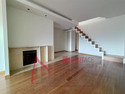 T5 Duplex apartment with 361m2 on the 5th complete floor