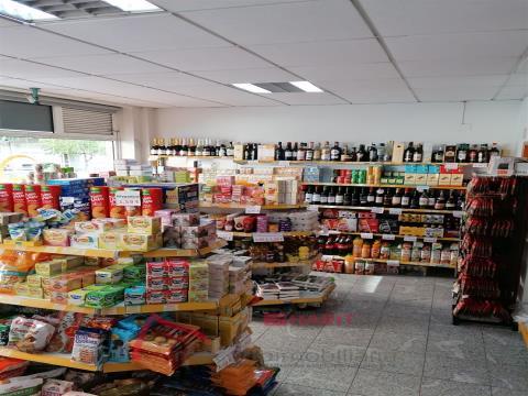 Entreprise de supermarché pour le transfert entièrement préparée