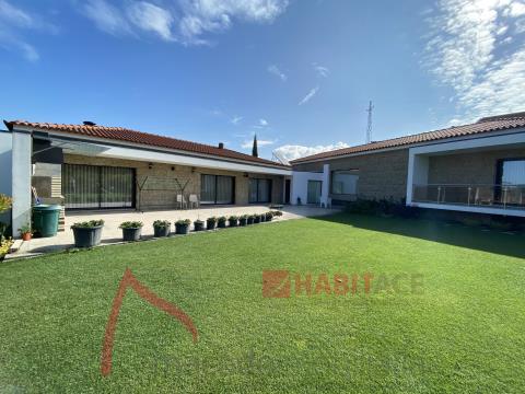 Moradia térrea de luxo para venda em Guimarães