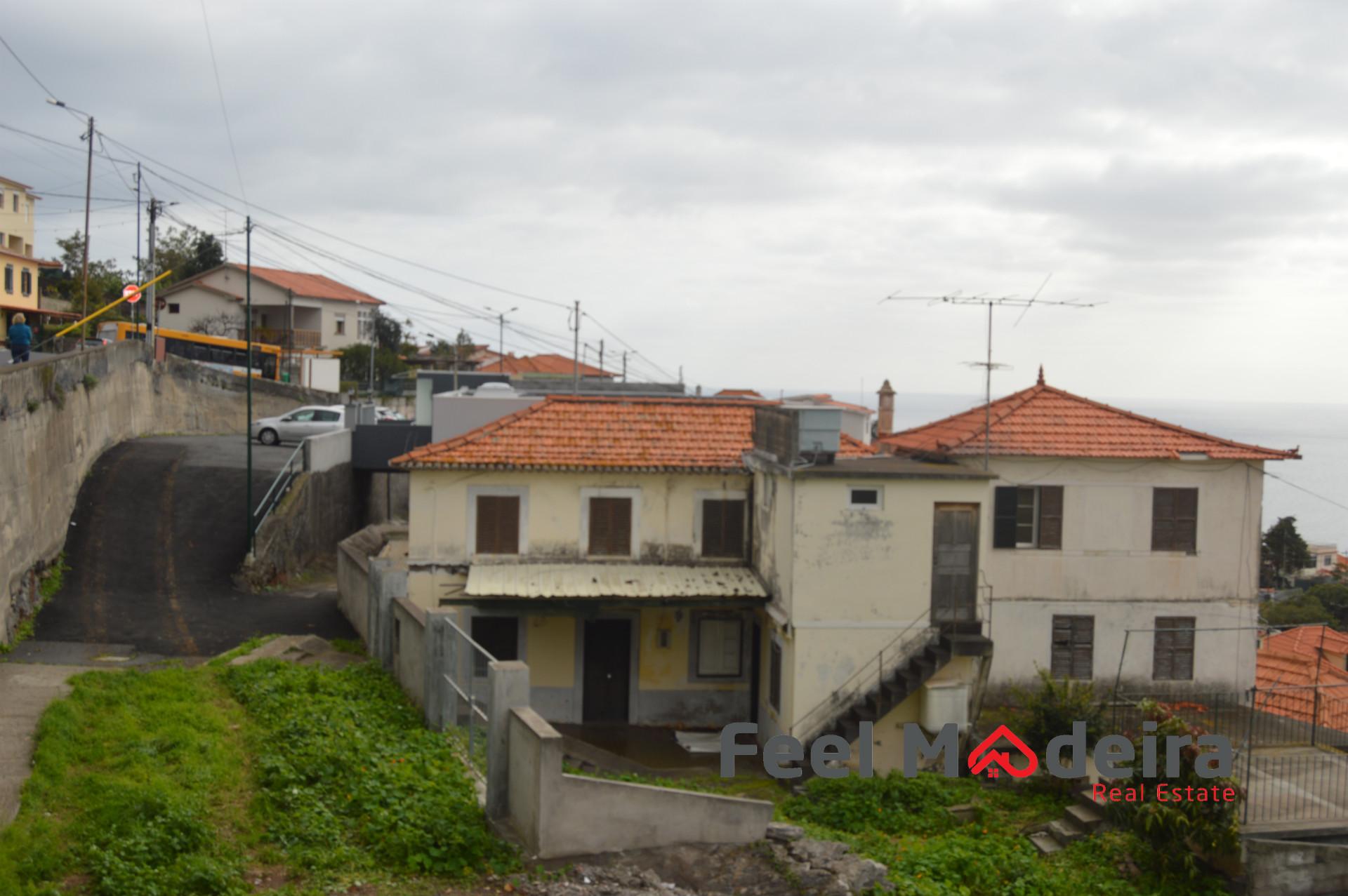 Casa Para Restaurar - Funchal