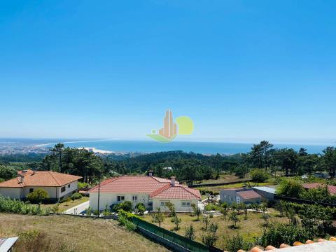 Moradia  T3+2 com vistas de mar.