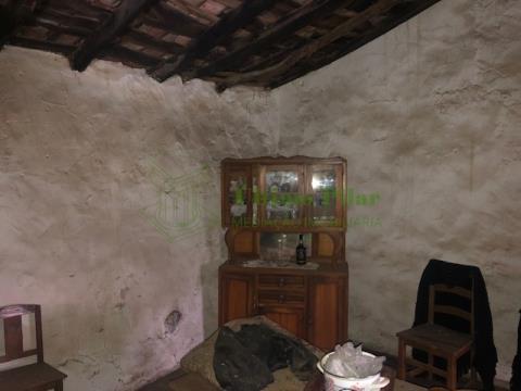 Moradia para Remodelar - São Pedro de Sarracenos