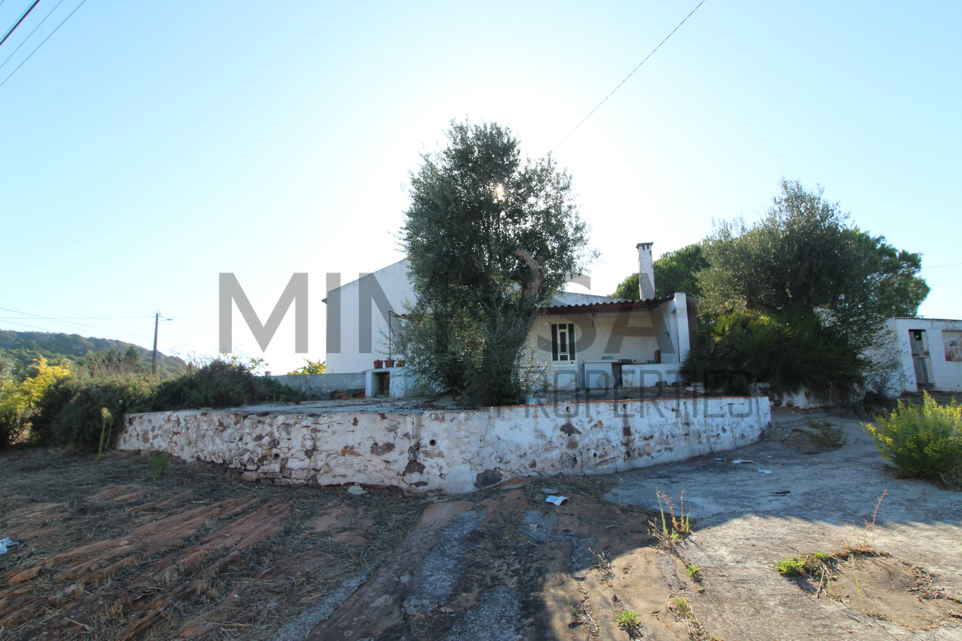Detached house to restore 3 Bedrooms