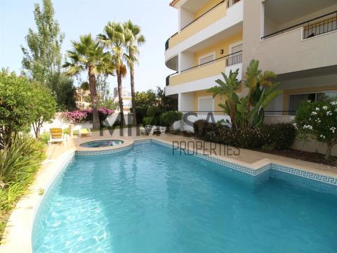 Magnífico apartamento T2 em Porto de Mós com piscina, Lagos