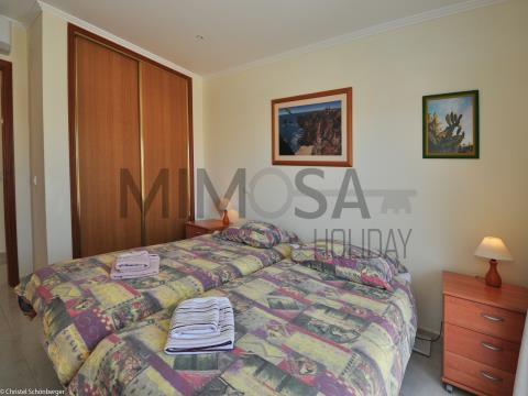 Villa con 4 camere da letto, vicino alla spiaggia di D.Ana e vista su Ponta da Piedade