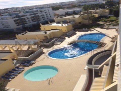 Lindo apartamento T1 com piscina e vista para o mar em Lagos