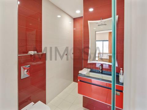 Bella villa con quattro camere da letto con piscina vicino alla spiaggia e al Marina  di Lagos