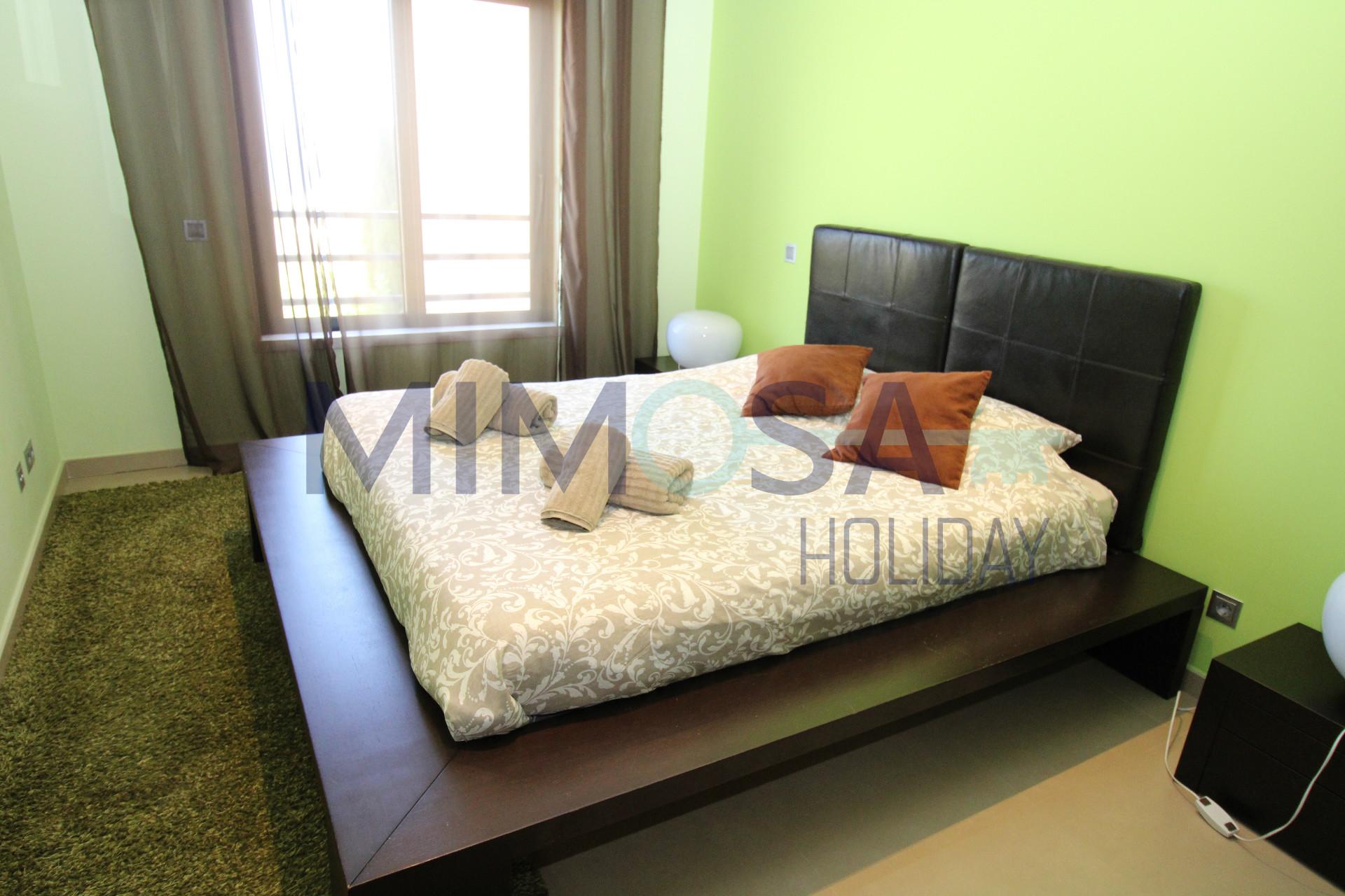 Fantastico appartamento con tre camere da letto con piscina ...