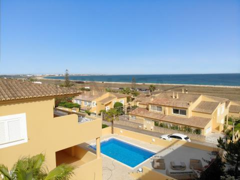 Villa de 2 dormitorios con piscina y vistas al mar, en Lagos