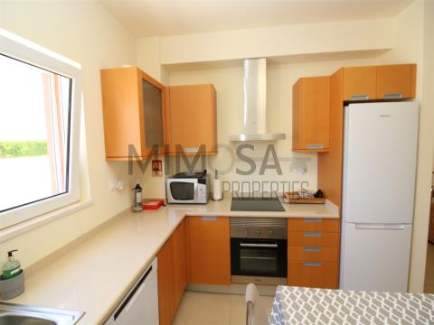 Apartamento de 2 dormitorios con piscina cerca de la playa, Burgau, Lagos