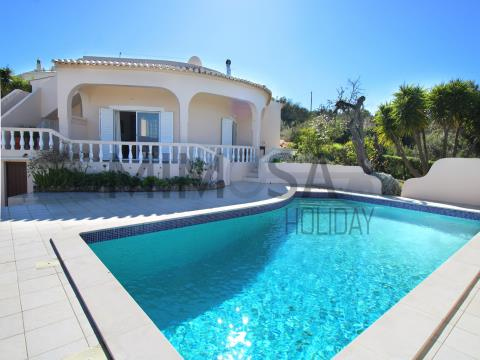 Magnificent 2 bedroom villa with pool near Meia Praia, Lagos