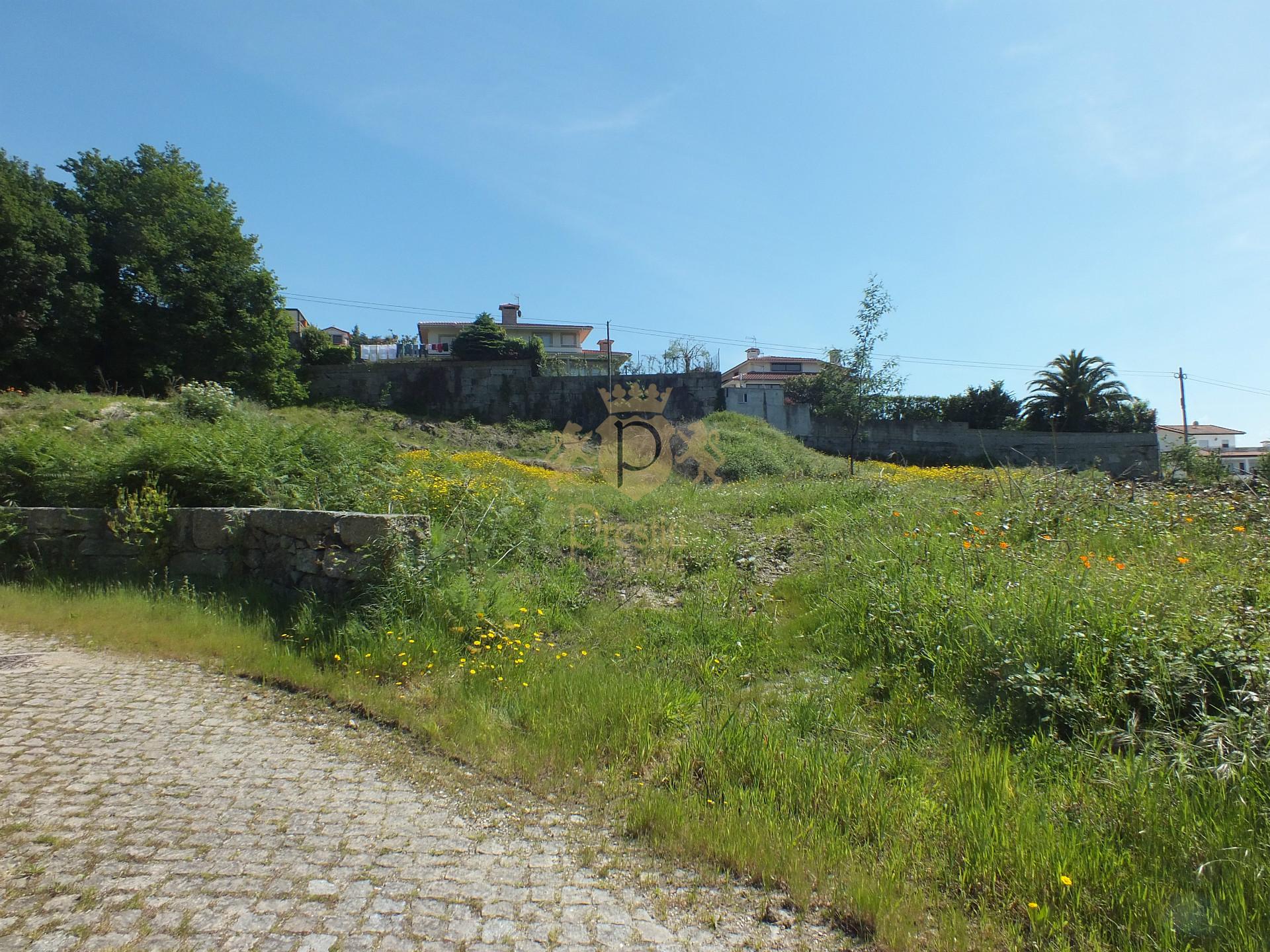 Terreno Para Construção  de Moradia Individual, Guimarães