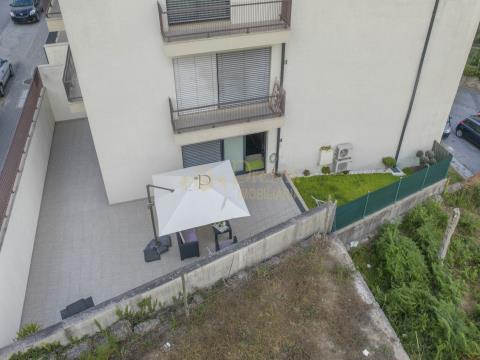 Apartamento T3 Com Terraço E Jardim