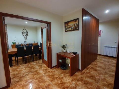 Apartamento T3 Santiago de Candoso
