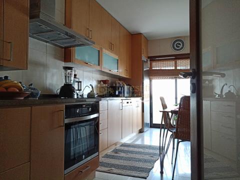 Apartamento de 3 dormitorios en alquiler en la Costa, Guimarães