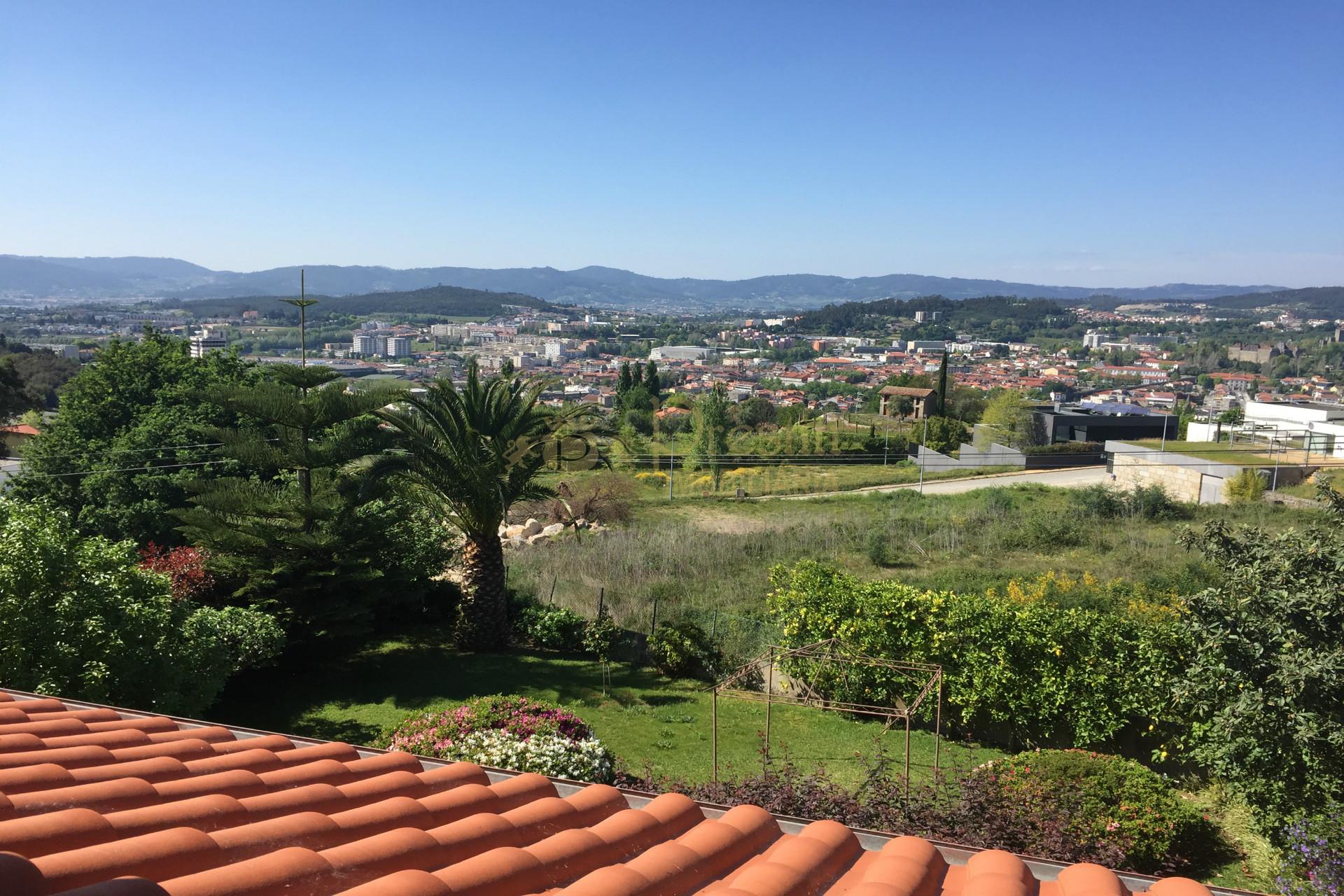 Moradia T4 para Venda em Guimarães